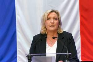 Marine Le Pen durante discurso em Henin-Beaument, França. 20/06/2021