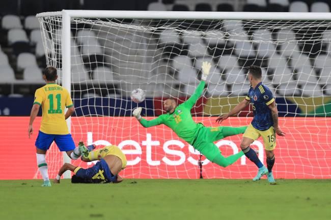 Luis Diaz marcou um belo gol contra o Brasil no Engenhão