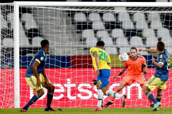 Firmino marcou o gol de empate do Brasil contra a Colômbia
