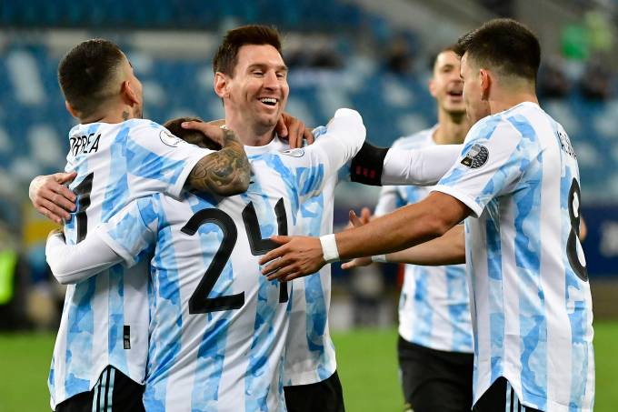 Argentina bateu Bolívia com dois gols de Messi