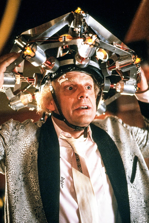 FICÇÃO -Dr. Brown, em De Volta para o Futuro: a máquina não funcionou -