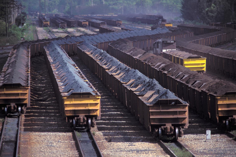 TRANSPORTE DE MINÉRIO DE FERRO NO PORTO DE TUBARÃO (ES)- aumento da demanda chinesa -