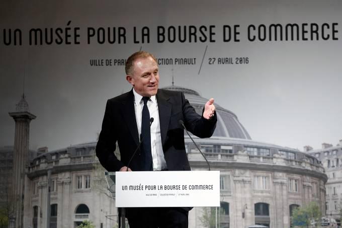 Francois Pinault Art Collection  in Paris Commercial Exchange – Project Presentation