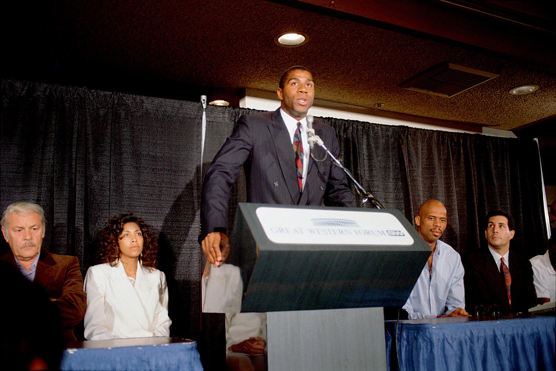 1991- Magic Johnson: ele chocou o mundo ao anunciar que tinha aids -