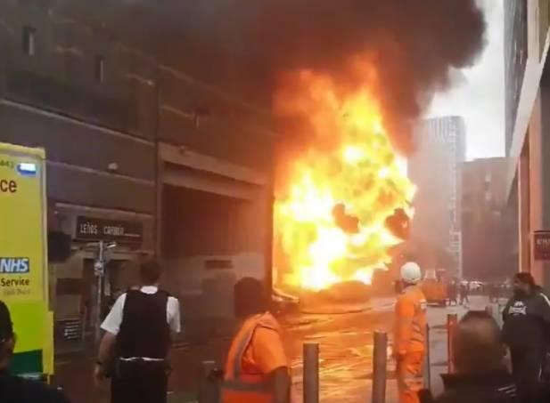 Explosão atinge estação de metrô e trem em Londres