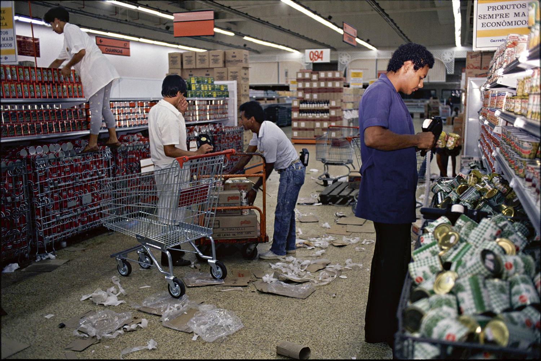 CAOS -Anos 1980: descontrole -