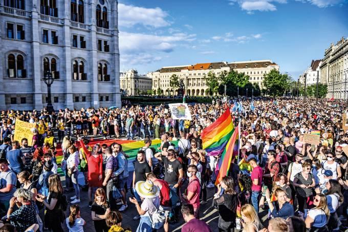 HUNGARY-POLITICS-LGBT-RIGHTS-DEMO