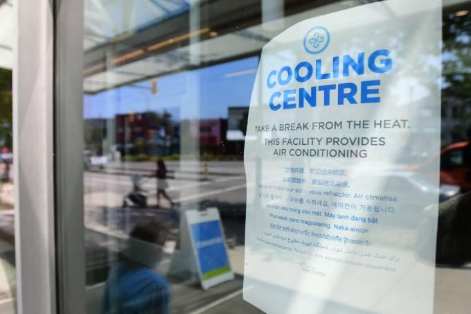 Centro comunitário oferece espaço com ar condicionado durante onda de calor em Vancouver, Colúmbia Britânica, Canadá (30/06/2021)