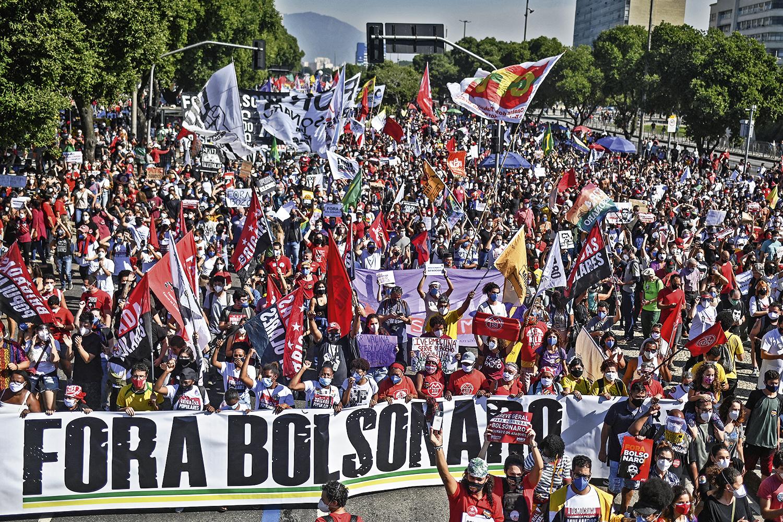 TODAS AS CORES -Protesto pelo impeachment no DF: iniciados pela esquerda, atos ganham adesões de outros grupos -