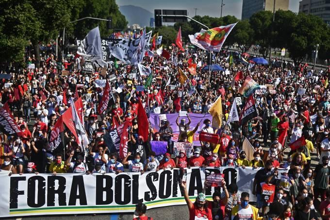 BRAZIL-HEALTH-VIRUS-PROTEST