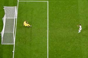 Pênalti cobrado por Rashford que bateu na trave na decisão da Eurocopa -