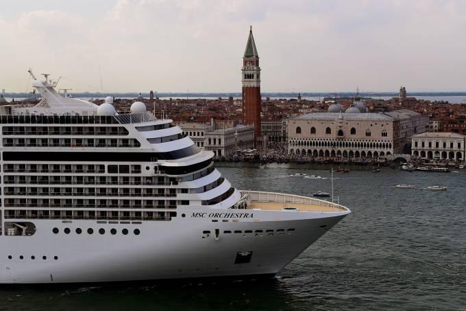 FILES-ITALY-TOURISM-ENVIRONMENT-ECONOMY