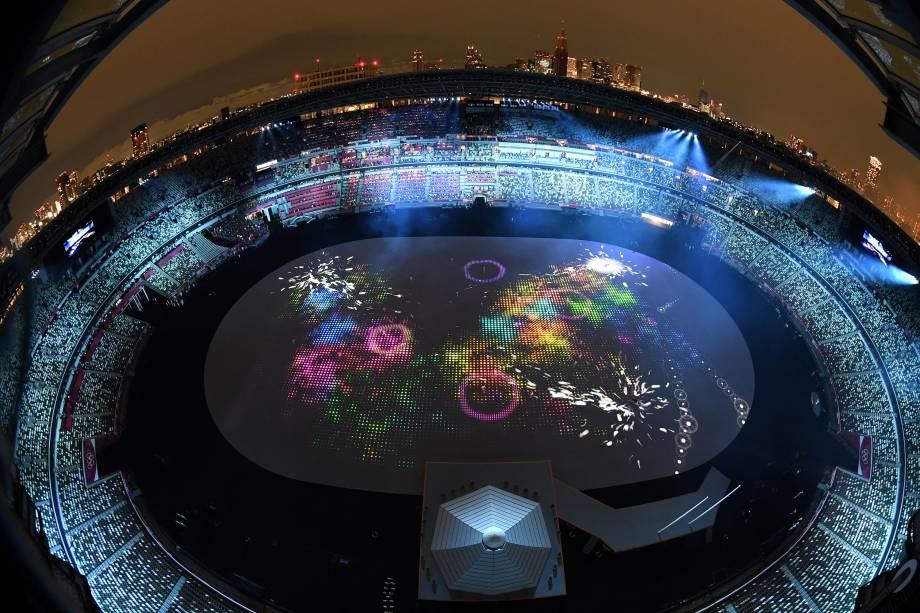 Uma visão geral mostra o Estádio Olímpico durante a cerimônia de abertura das Olímpiadas de Tóquio 2020 -