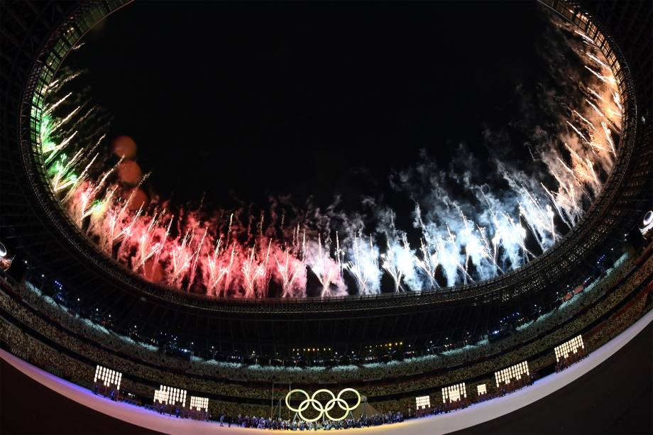 Performance durante a cerimônia de abertura dos Jogos Olímpicos de Tóquio 2020, no Estádio Olímpico -