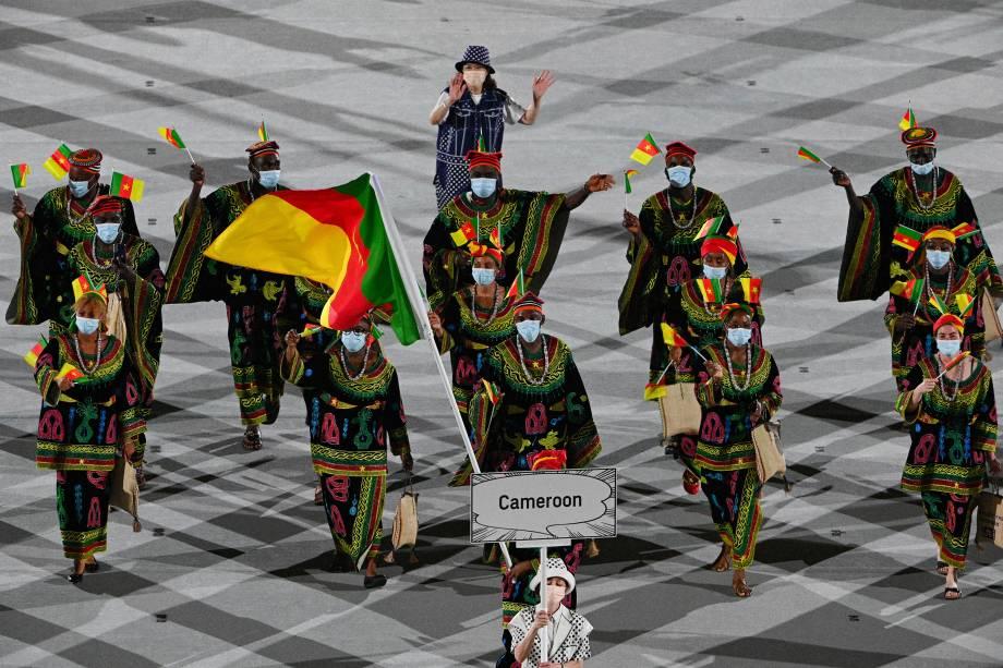 Desfile da delegação de Camarões durante a cerimônia de abertura -