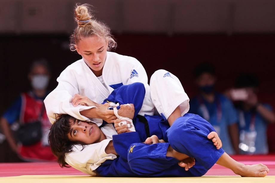 A ucraniana Daria Bilodid (branco) compete com a portuguesa Catarina Costa -