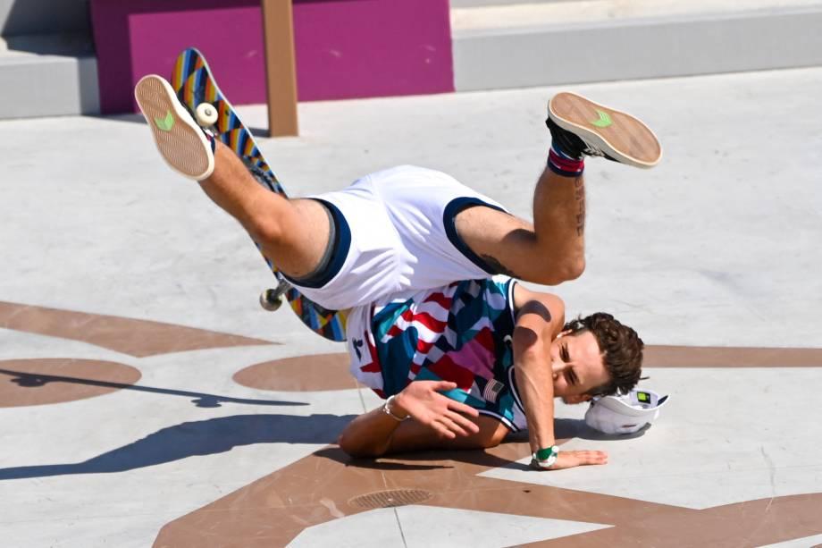 O americano Jagger Eaton após queda na competição -