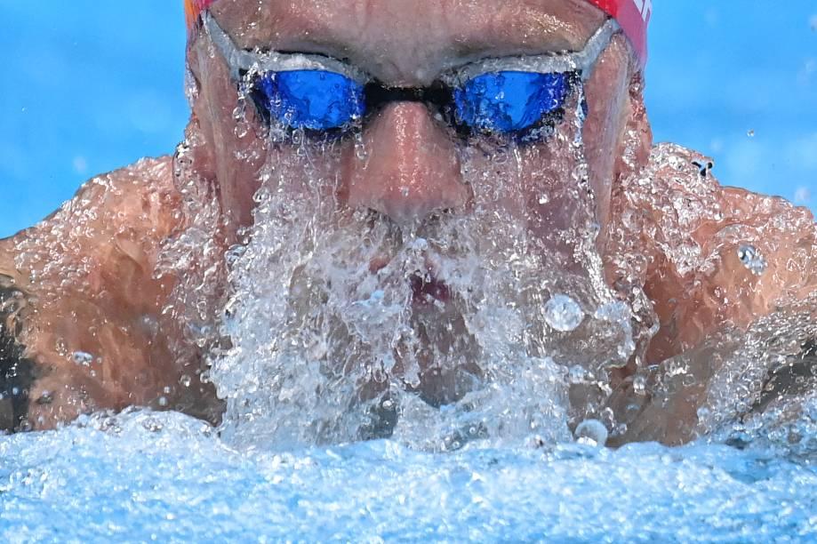 Adam Peaty, da Grã-Bretanha, durante prova de natação na modalidade 100m peito -