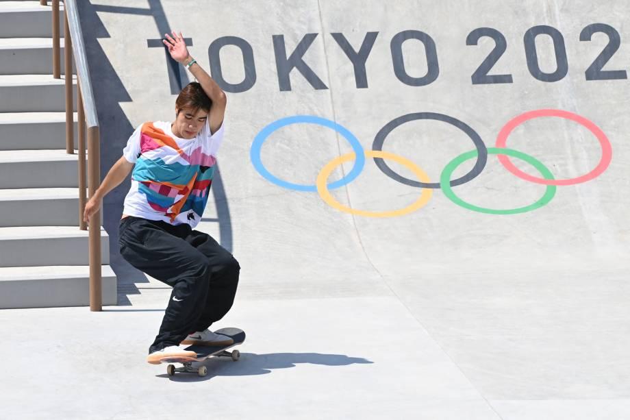 O japonês Yuto Horigome durante sua performance, no Ariake Sports Park Skateboarding -