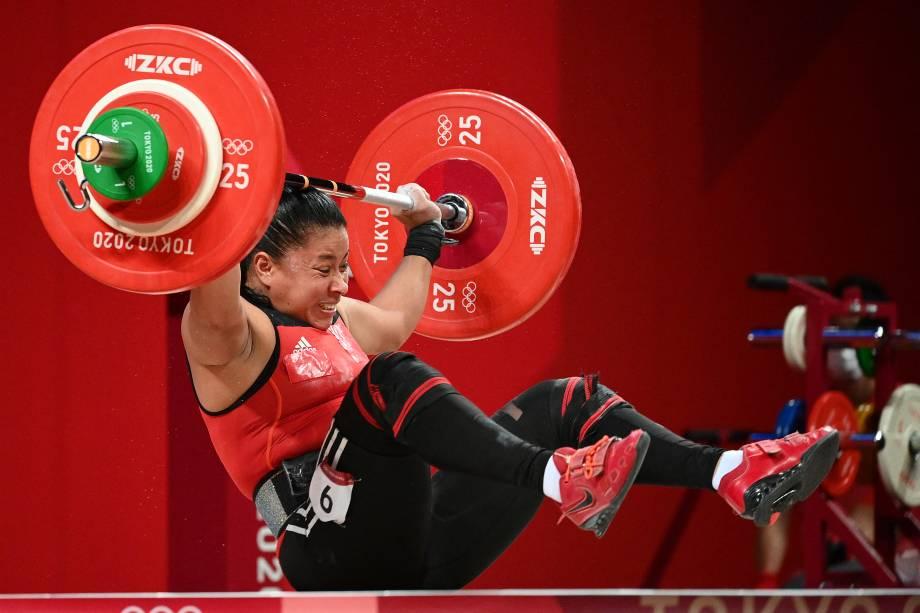 Sema Nancy Ludrick Rivas, da Nicarágua, durante a competição de levantamento de peso feminino -