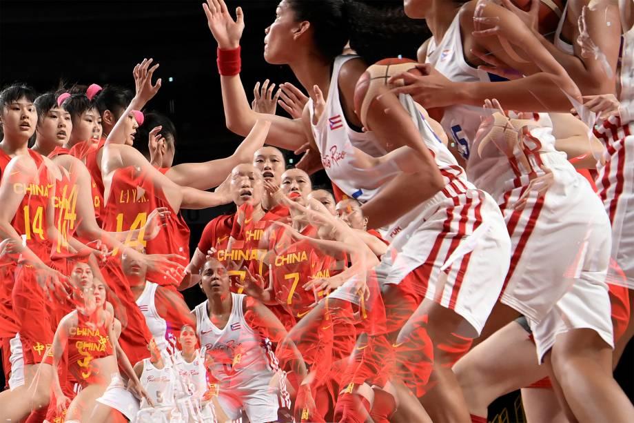 China e Porto Rico em partida pelo basquete feminino -