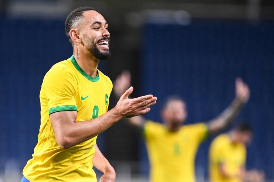 Matheus Cunha comemorando o seu gol na partida -