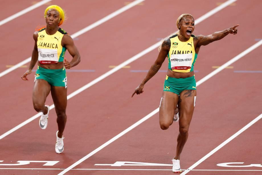 A jamaicana Elaine Thompson-Herah comemorando após vencer a prova dos 100m rasos -