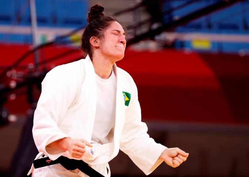 Mayra Aguiar comemora após garantir o bronze pelo judô ao vencer a sul-coreana Hyunji Yoon -