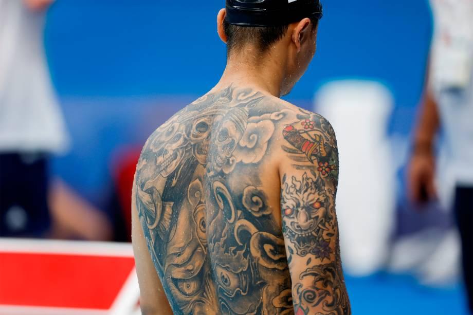 Atleta se prepara para a competição dos 100m livres -