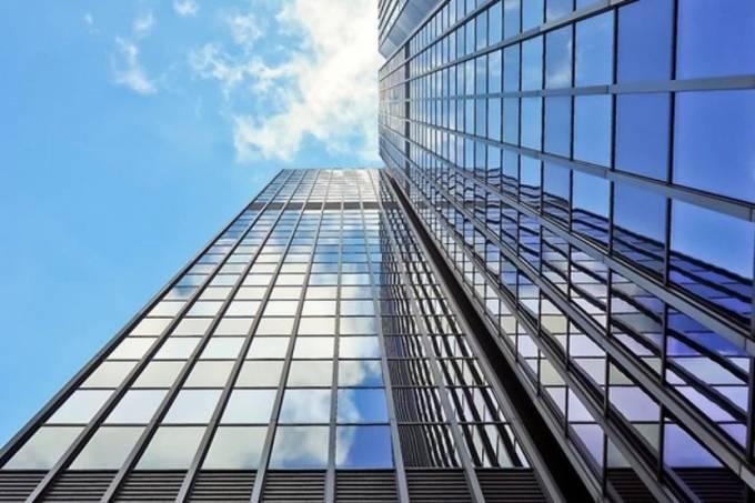 20190628-00-predio-edificio-espelhado-reflexo-sol-cidade-grande-metropole-1280×720
