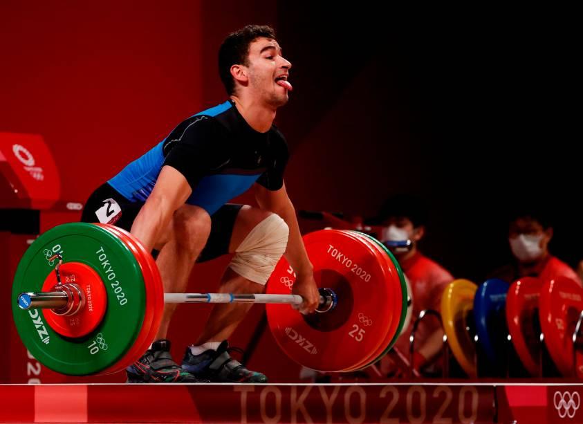 Marin Robu, da República da Moldávia, durante prova de levantamento de peso -