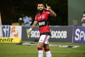 Gabigol fez três gols contra o Bahia pelo Brasileiro