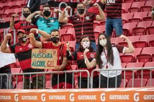 Jogo entre Flamengo e Defensa y Justicia teve 5.518 pessoas presentes no estádio Mané Garrincha -