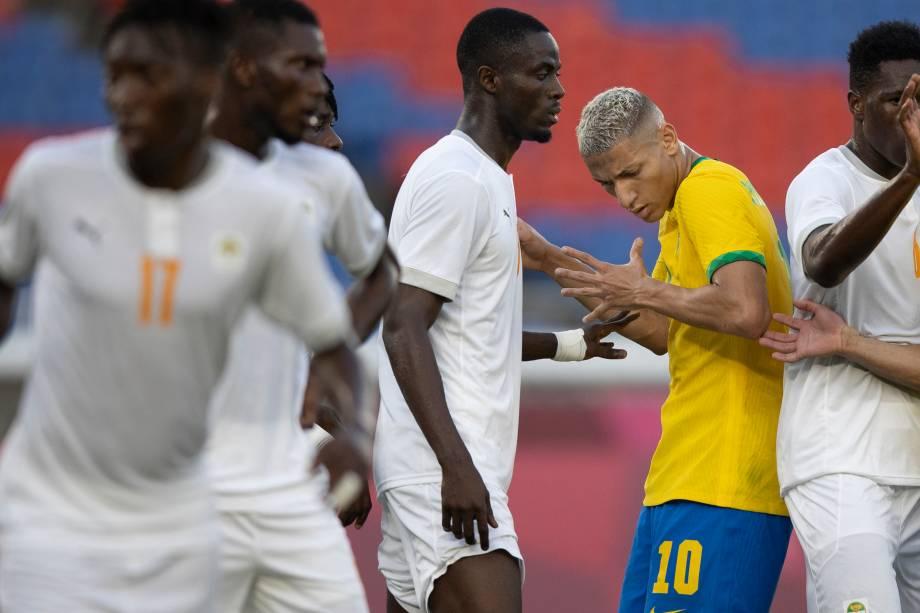 Richarlison durante o jogo entre Brasil x Costa do Marfim -