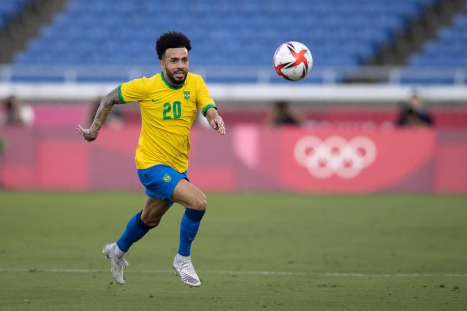 Claudinho em ação durante partida contra Costa do Marfim, em Yokohama -