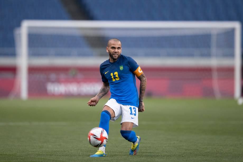 Daniel Alves durante o jogo contra a Arábia Saudita -