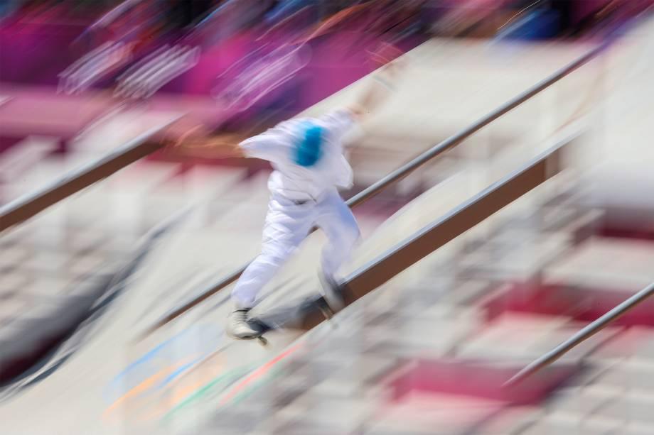 O skatista Vicente Milou, da França, em prova no Ariake Urban Sports Park -