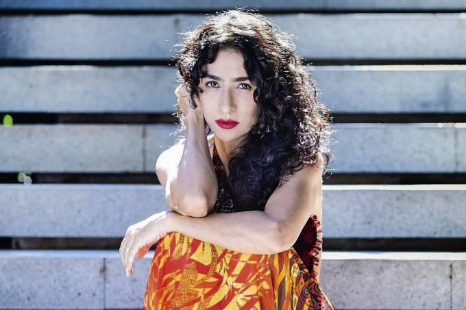 Marisa Monte quebra longo jejum com belo disco de inéditas   VEJA