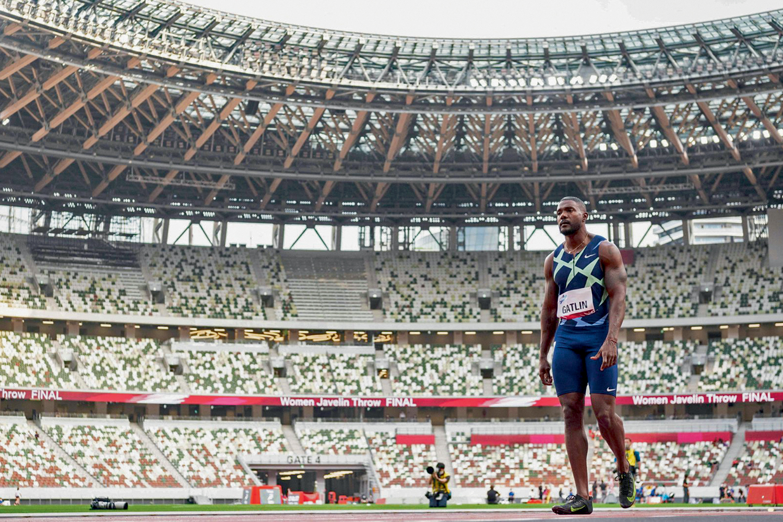 """2021 -O velocista americano Gatlin em evento-teste, em maio deste ano: """"Será bizarro correr sem público"""" -"""