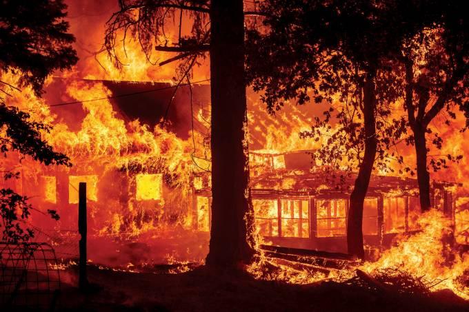 APTOPIX_California_Wildfires_97423-60fda66979d60-scaled.jpg