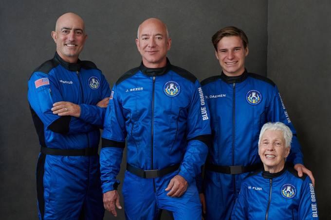 Jeff Bezos: bilionário viaja paro o espaço