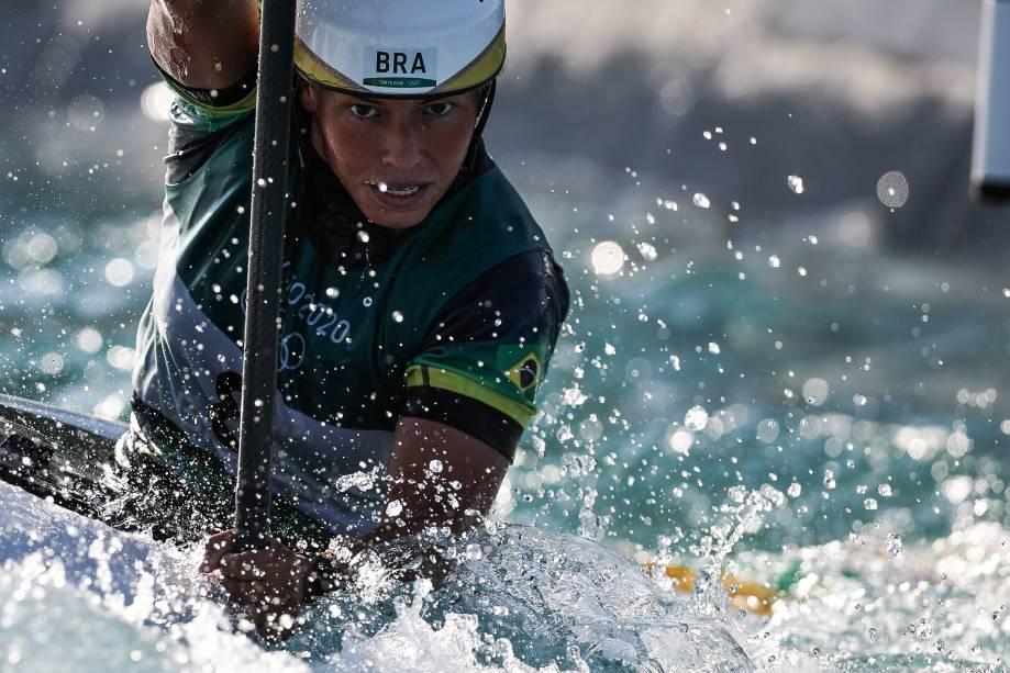 Ana Satila durante a competição de canoagem slalom, no Kasai Canoe Centre, em Tóquio -