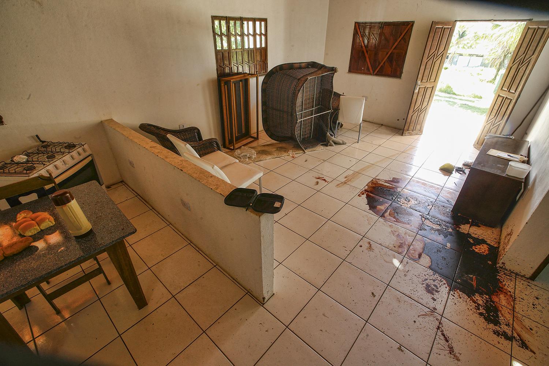FINAL TRÁGICO -Adriano foi localizado pela polícia na Bahia: a família afirma que ele foi executado como queima de arquivo -