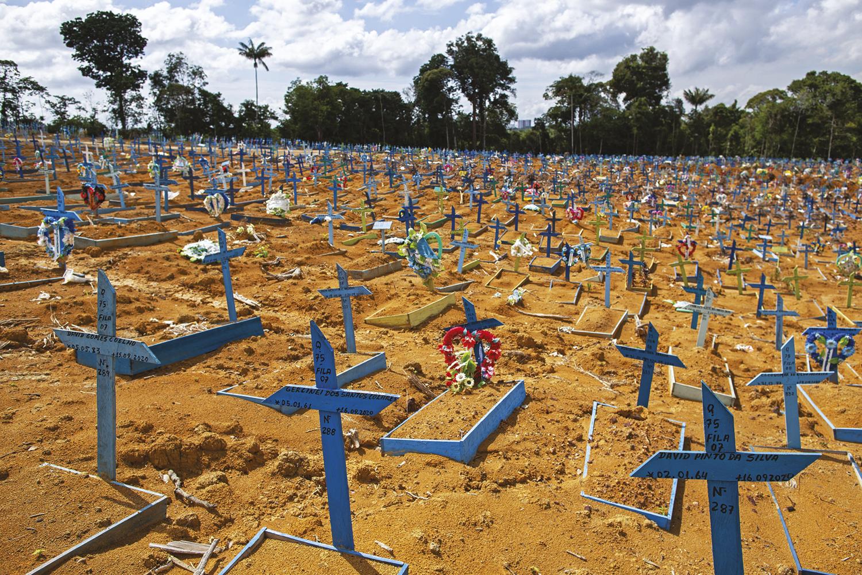 ESCÂNDALO - Mortos na pandemia: a PF estima que golpes ultrapassaram a casa dos 4 bilhões de reais -