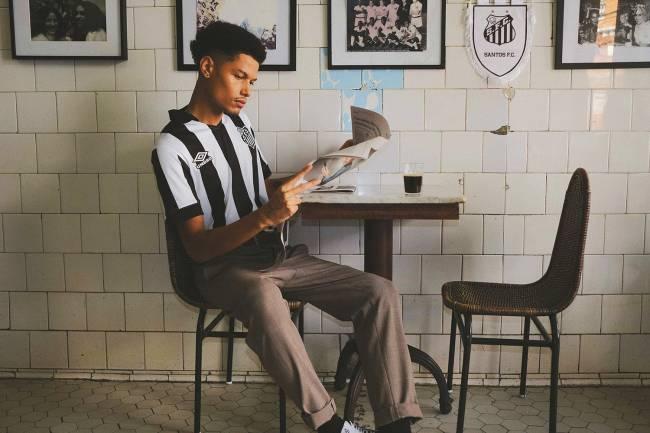 Modelos vintage da camisa do Santos -