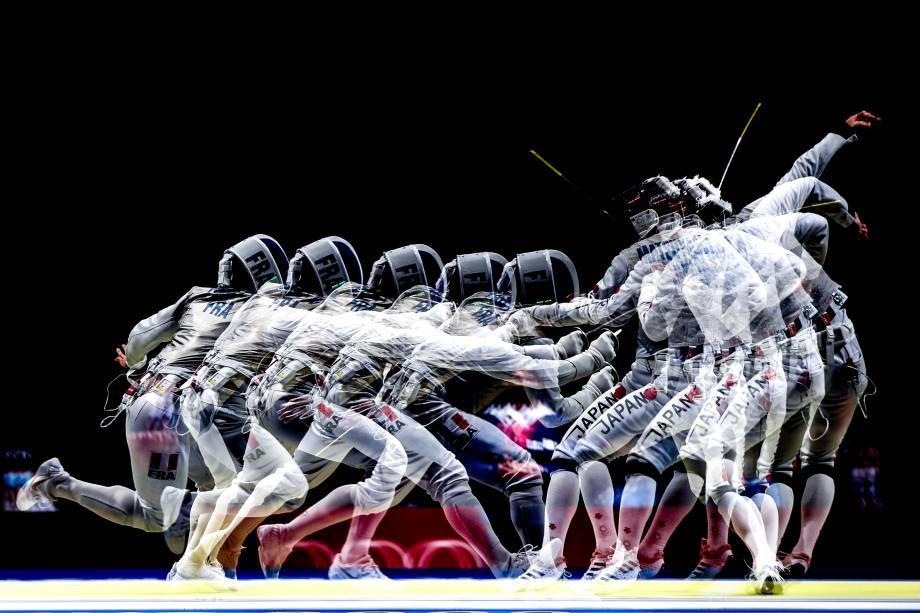 O atleta brasileiro Guilherme Toldo em ação pela esgrima -