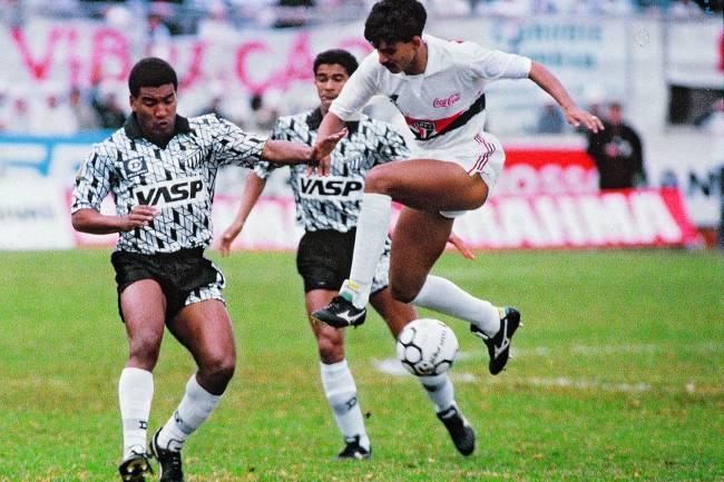 Mauro Silva e Ricardo Rocha, durante São Paulo x Bragantino, na final do Campeonato Brasileiro de 1991, no Estádio do Morumbi -