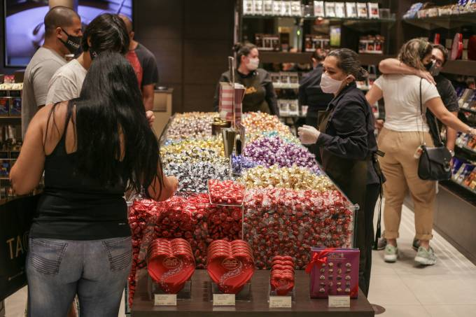 First Day of the Opening of Shopping Malls in Rio de Janeiro Amidst the Coronavirus (COVID – 19) Pandemic