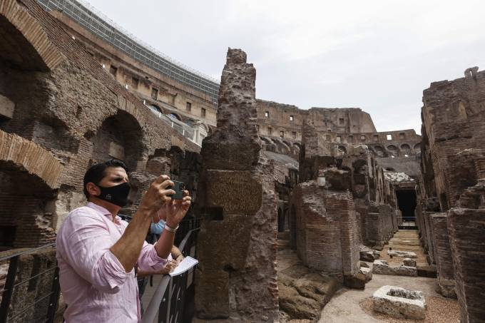 Press conference on the restoration of the Colosseum in Rome