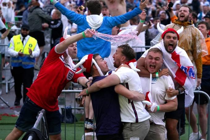 'Football is coming home': torcida inglesa está eufórica com a Euro